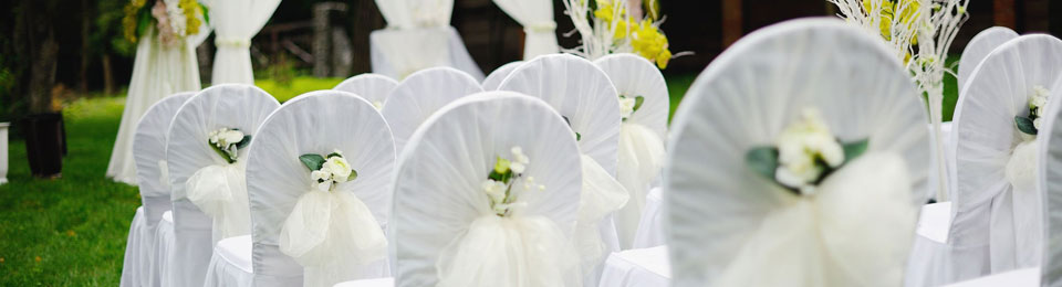 Cavelli Linen offers an exclusive range of tailor made chair covers and tie backs for any occasion.